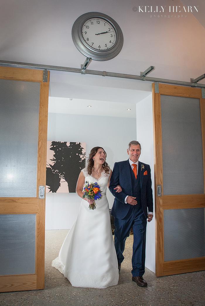 JOL_Bride-and-father-in-doorway.jpg#asse