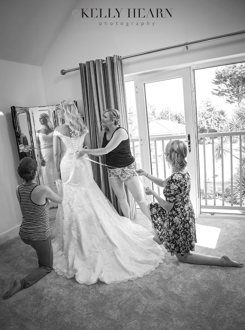KEL_bride-bridesmaids-wedding-dress.jpg#asset:2174