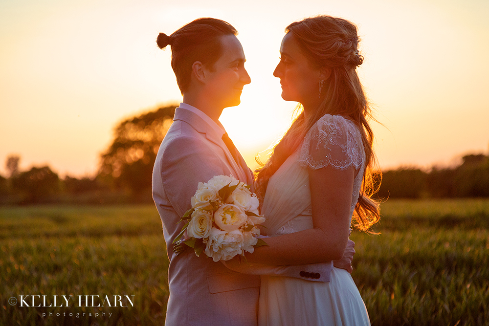 LEN_couple-close-with-golden-sunset.jpg#asset:2578