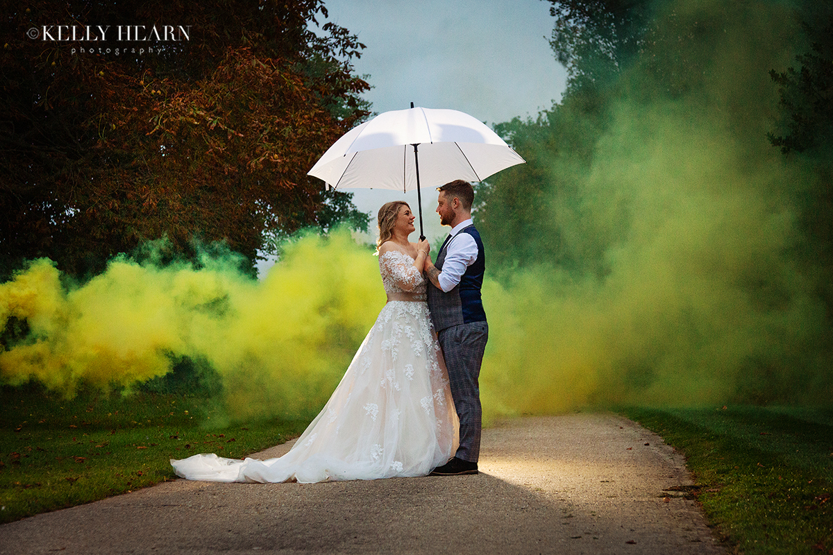 MAT_bride-and-groom-with-umbrella-and-smoke-bomb.jpg#asset:2751