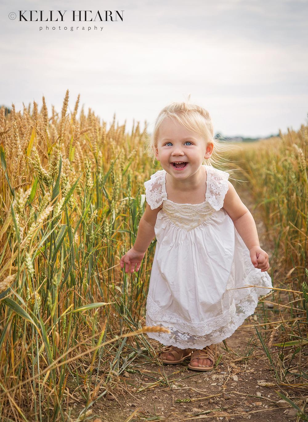 PORT_girl-in-cornfields.jpg#asset:1974
