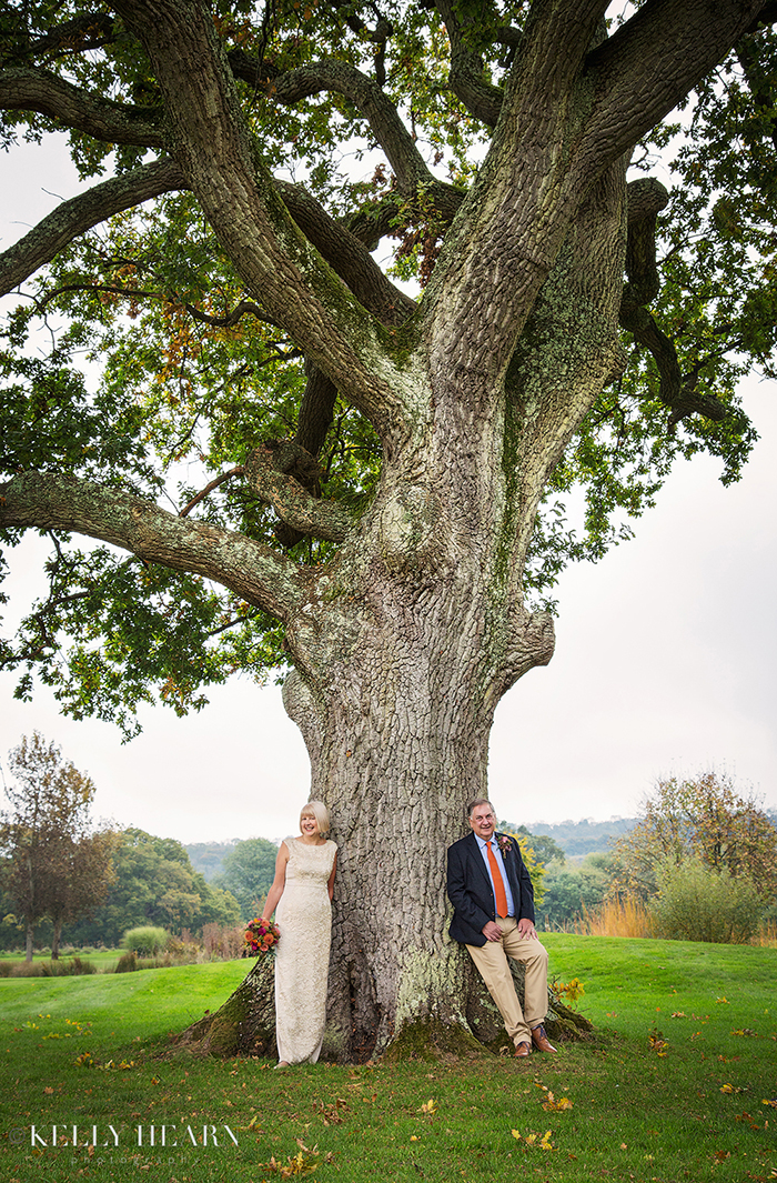 PREE_couple-leaning-on-tree-trunk.jpg#asset:1898