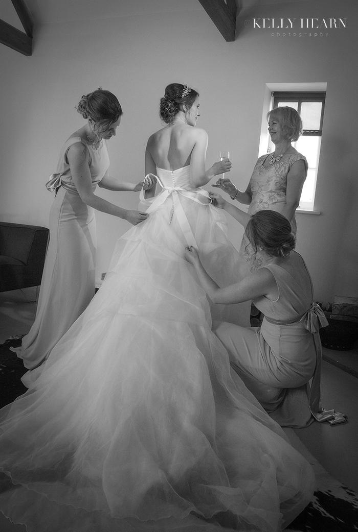 PRE_bride-getting-ready-bridesmaids.jpg#