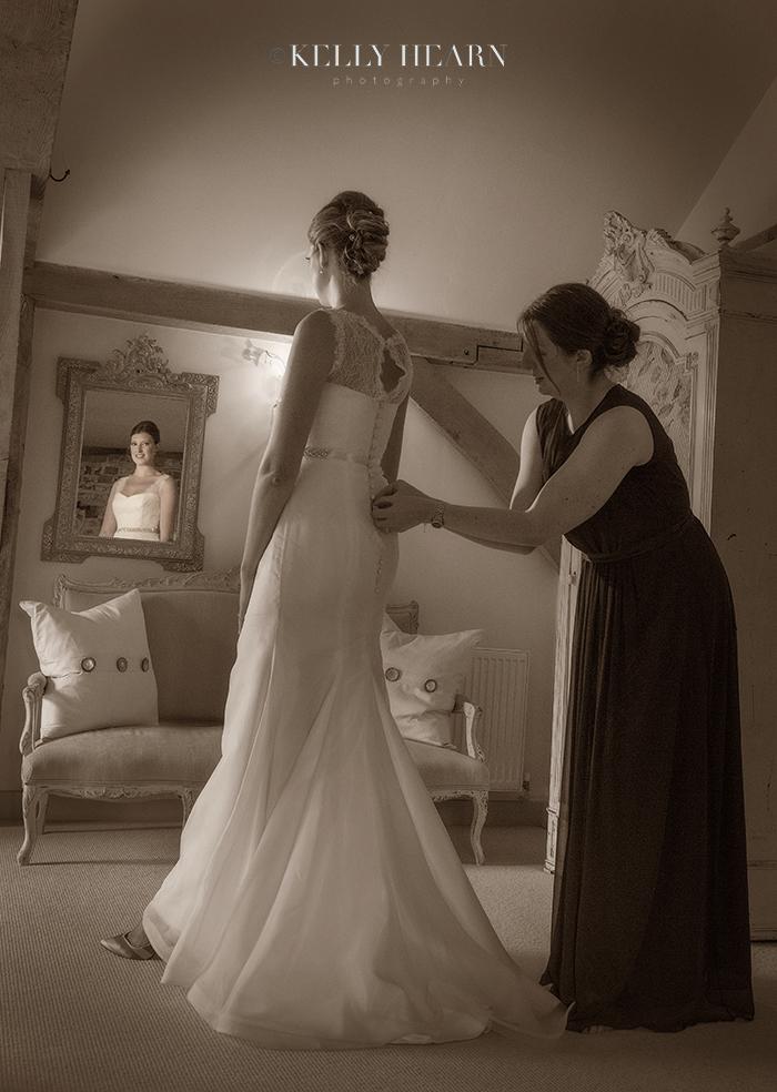 SLA_bride-mirror.jpg#asset:1197