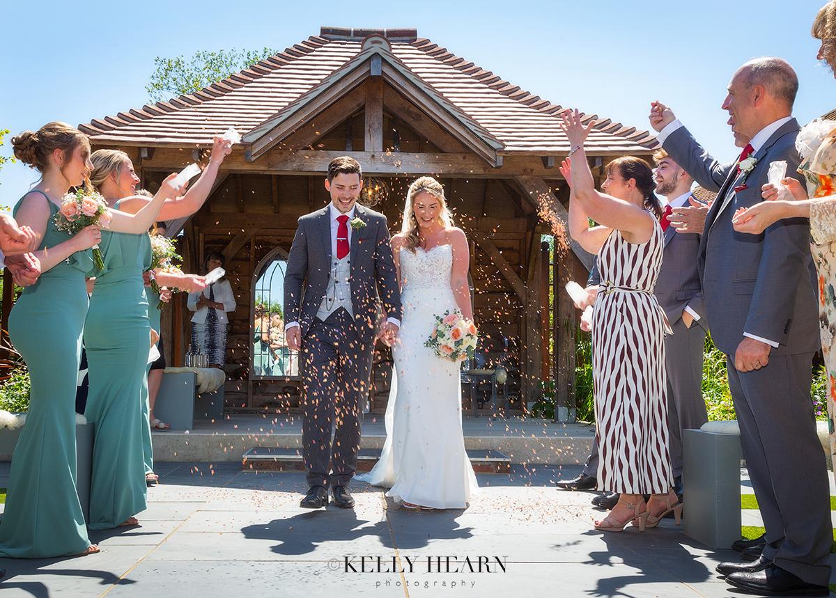 SOP_wedding-confetti-married.jpg#asset:3033