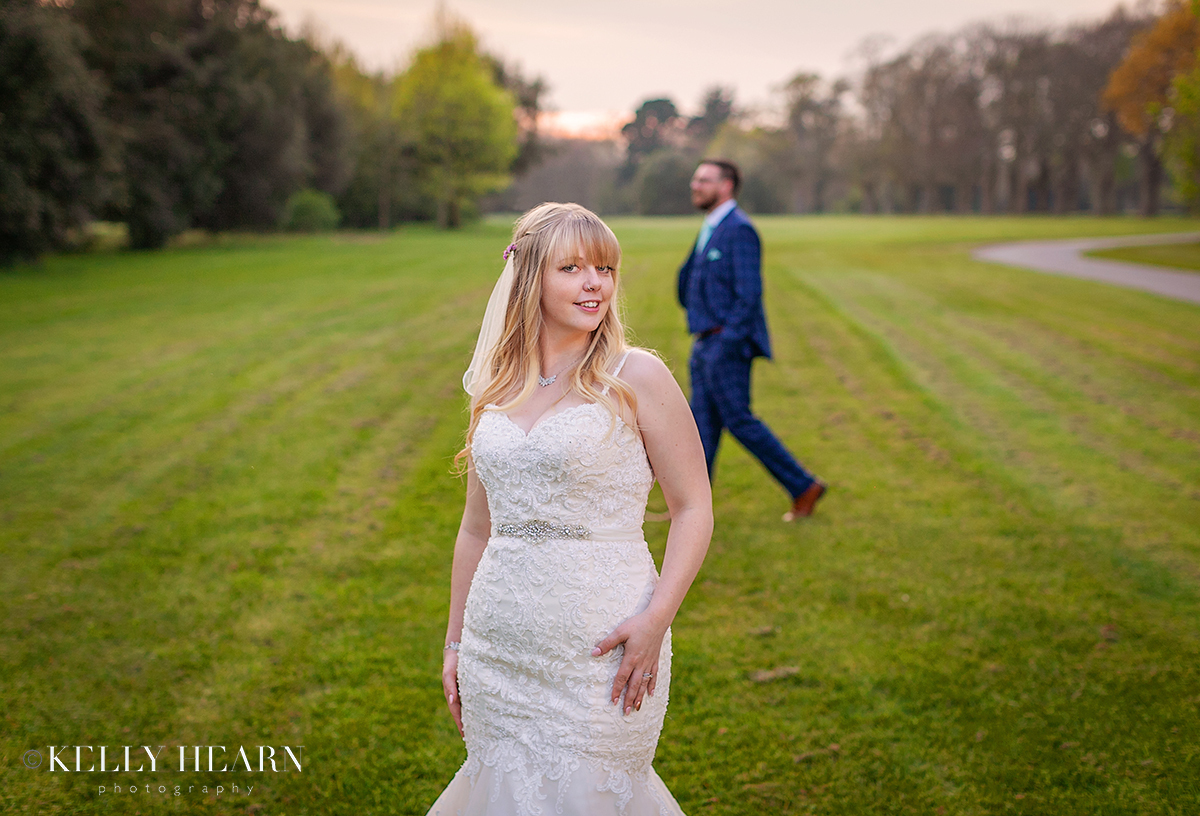 STAU_bride-foreground-groom-photobomb.jpg#asset:2495