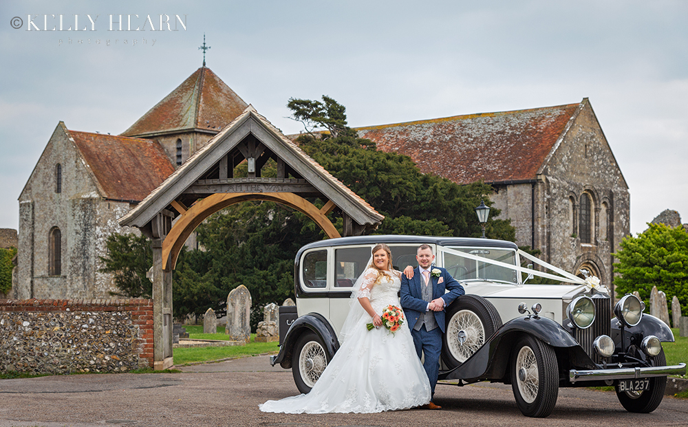 WALL_couple-car-in-front-of-church.jpg#asset:2518