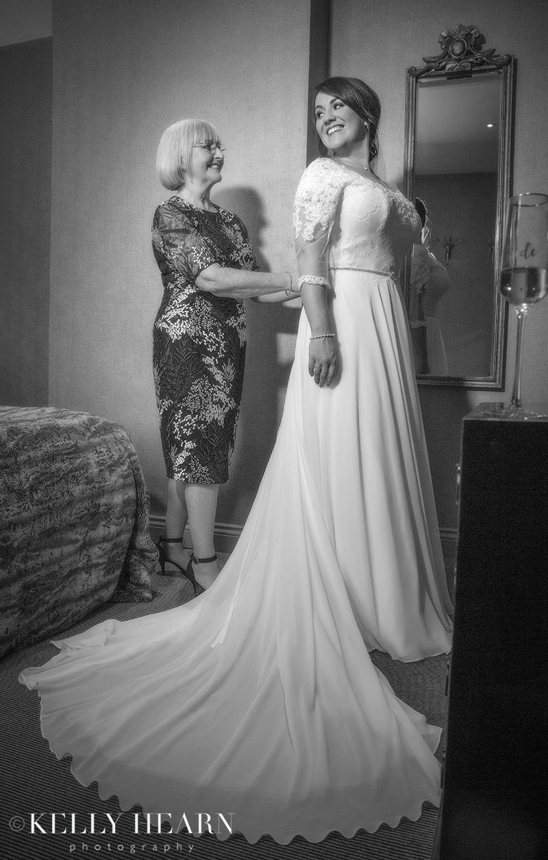 WIC_bride-and-mum.jpg#asset:2403