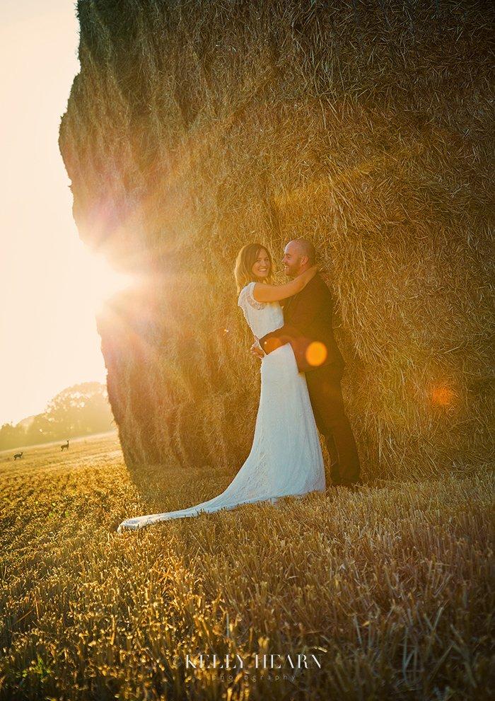 NAS_couple-haystack-deer.jpg#asset:1279